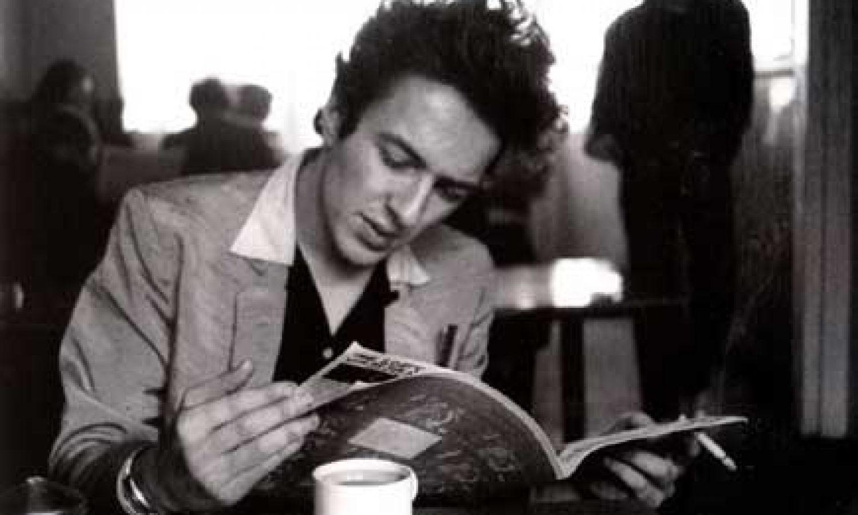 readers retreat man in cafe